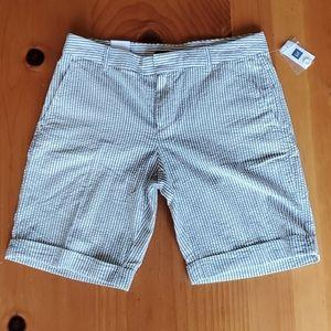 NWT! GAP shorts Women's 6